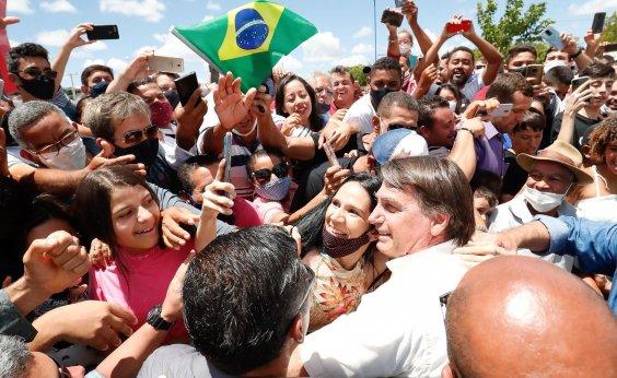 [Bolsonaro insinua que estados são responsáveis por agravamento da pandemia da Covid-19 no país]