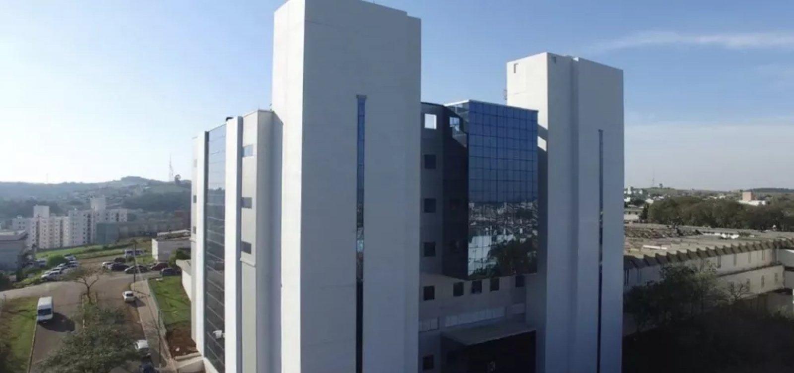 [Governo de SC transferirá 16 pacientes com Covid-19 para UTIs do Espírito Santo]