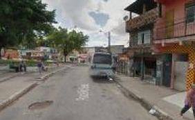 [Garota de 17 anos é atingida por diversos tiros no bairro do Rio Sena]