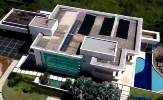 [Flávio Bolsonaro diz ter usado dinheiro de venda de outro imóvel para comprar mansão em Brasília]