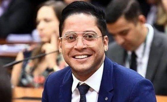 [Deputado Kannário pede descriminalização da conduta de usuário de maconha no Brasil]