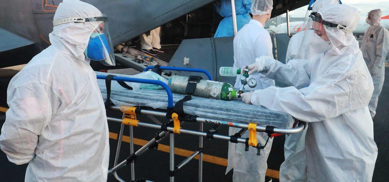 [Hospital em Porto Alegre instala contêiner refrigerado para armazenar corpos de vítimas da Covid-19]