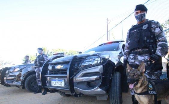 [Policiais fazem ocupação no bairro de Valéria para combater facções criminosas]