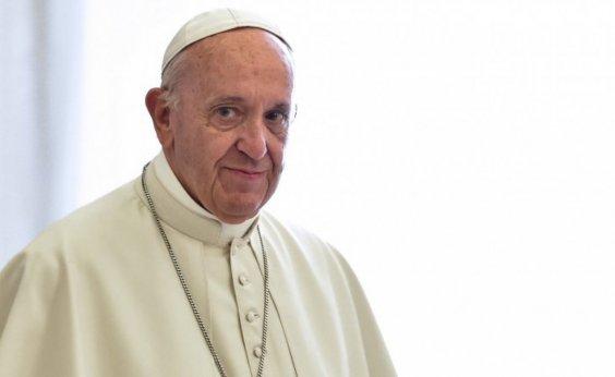 [Em viagem histórica, Papa Francisco chega ao Iraque ]
