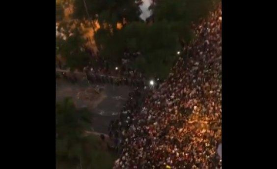 [Após protestos, presidente do Paraguai pede que ministros entreguem cargos]