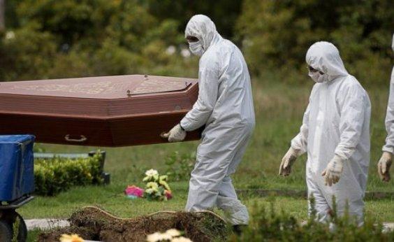 [Na contramão do mundo, Brasil tem maior alta de mortes por Covid-19]