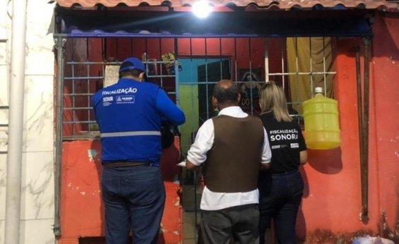 [Operação contra poluição sonora interdita 11 estabelecimentos em Salvador]