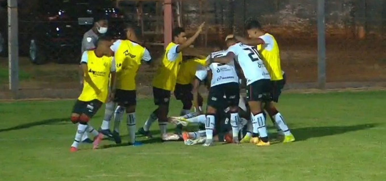 [Vitória vence o Águia Negra por 1 a 0 e avança na Copa do Brasil]