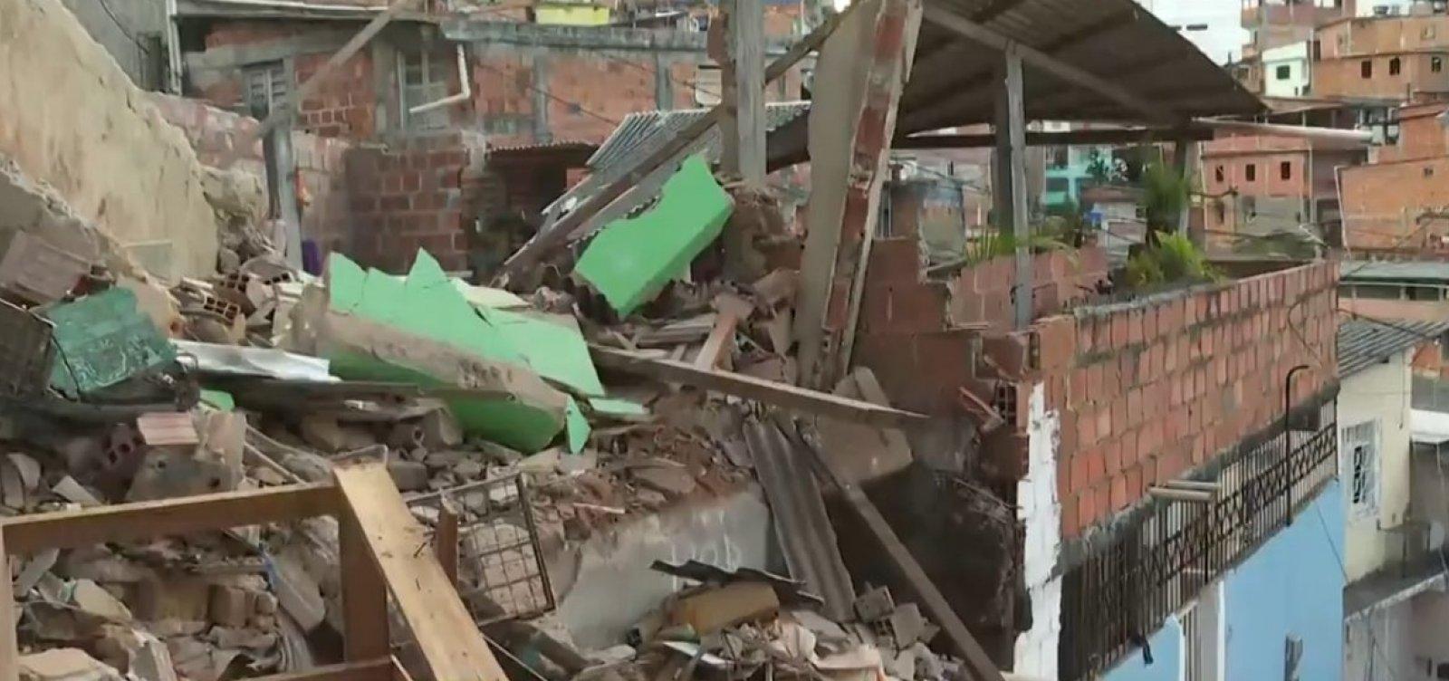 [Pau da Lima: explosão em botijão de gás derruba duas casas e deixa dois feridos]