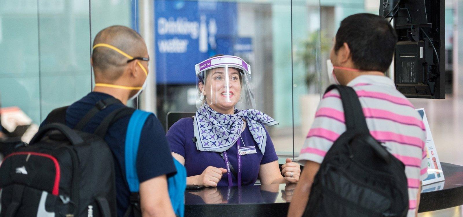 [Anvisa proíbe máscaras de acrílico, bandanas e 'face shield' em aeroportos ]