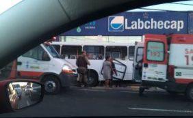 [Acidente envolvendo um ônibus deixa vários feridos em Lauro de Freitas]