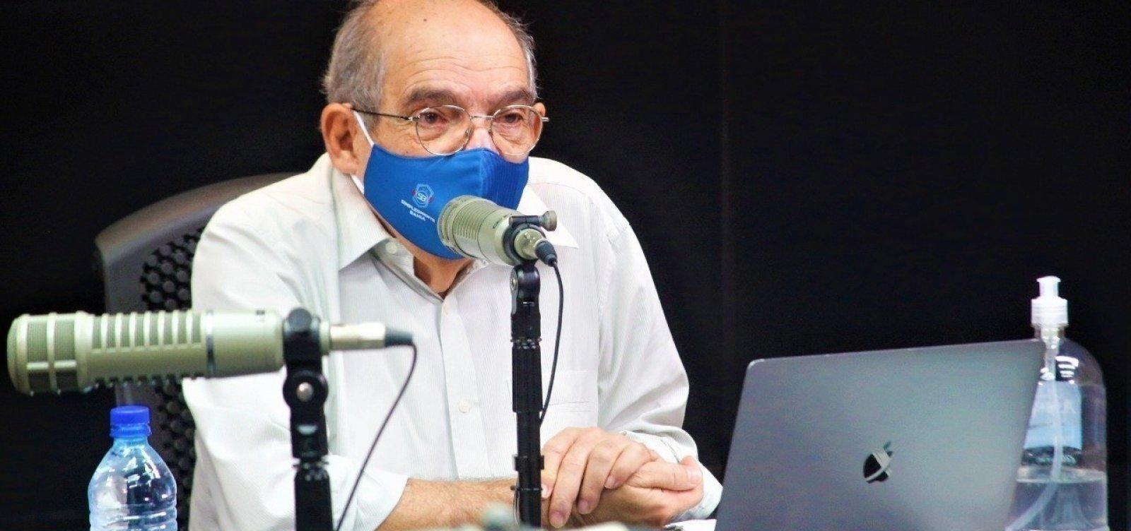 [Mário Kertész recebe primeira dose da vacina contra o coronavírus]