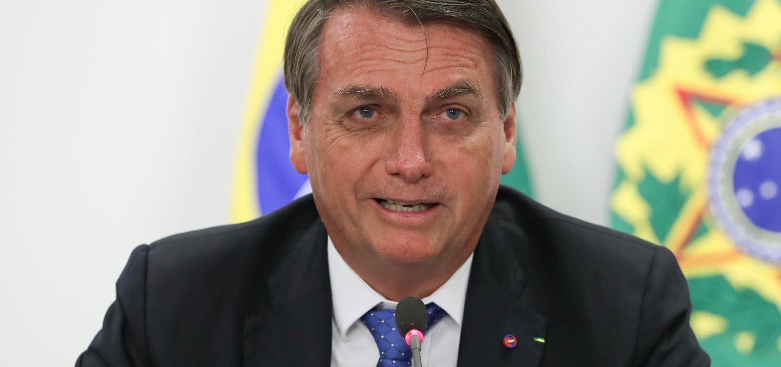 [Bolsonaro vê candidatura de Huck como piada e acredita em segundo turno com PT]