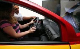 [Aulas em simulador de direção nas autoescolas passam a ser obrigatórias no país]