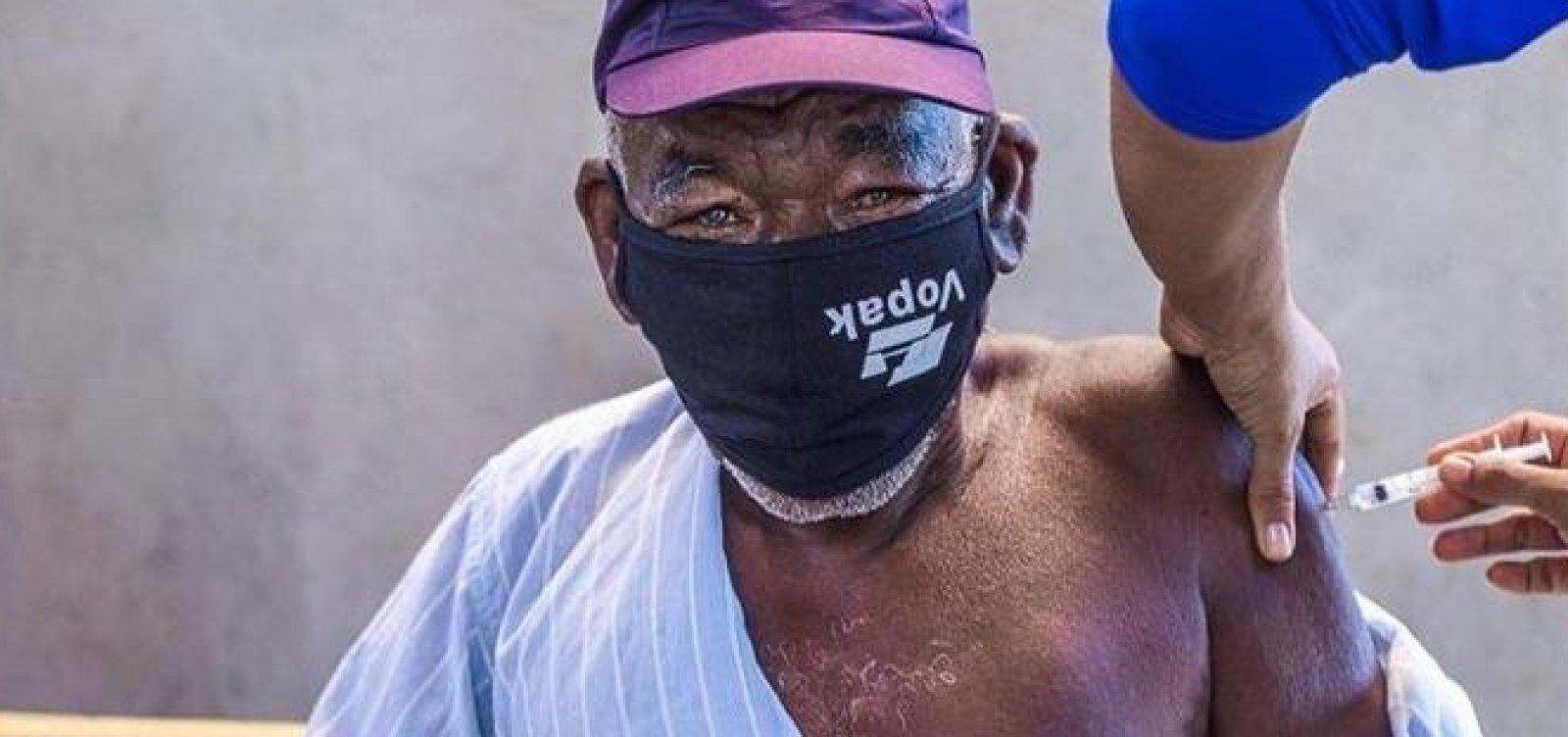 [Vacinação de idosos com 71 anos ou mais começa nesta terça em Salvador; confira cronograma]