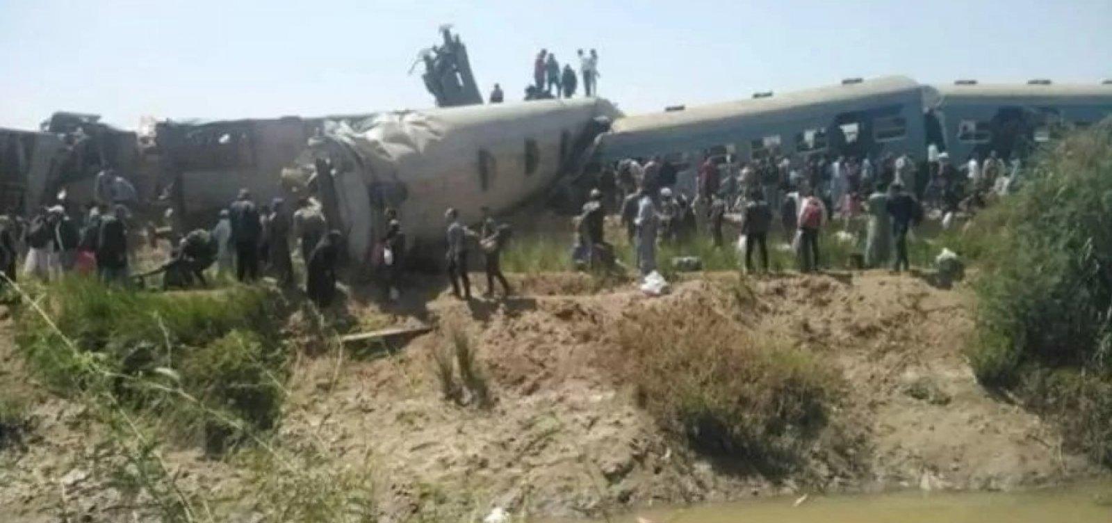 [Colisão entre dois trens deixa dezenas de mortos e feridos no Egito]