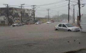 [Chuva forte causa diversos pontos de alagamento em Salvador; confira]