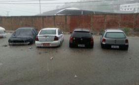 """[""""Chuva deve permanecer até o final da semana"""", diz Instituto de Meteorologia]"""