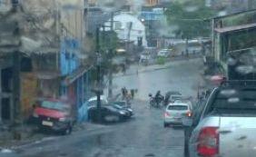 [Queda de energia é registrada em bairros de Salvador após fortes chuvas]
