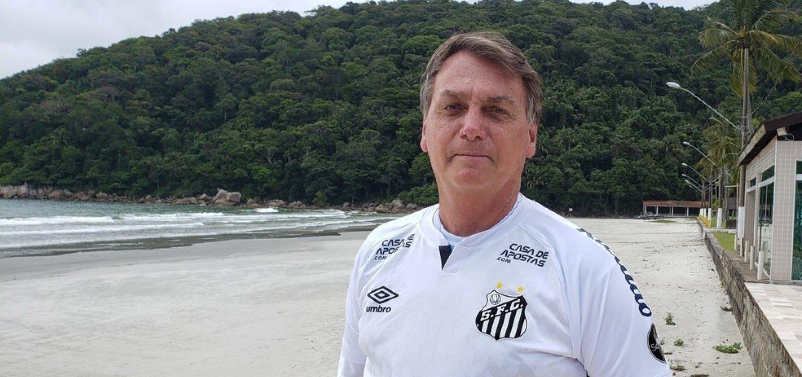 [Em meio à pandemia, viagens de férias feitas por Bolsonaro custaram R$ 2,3 milhões ao governo ]