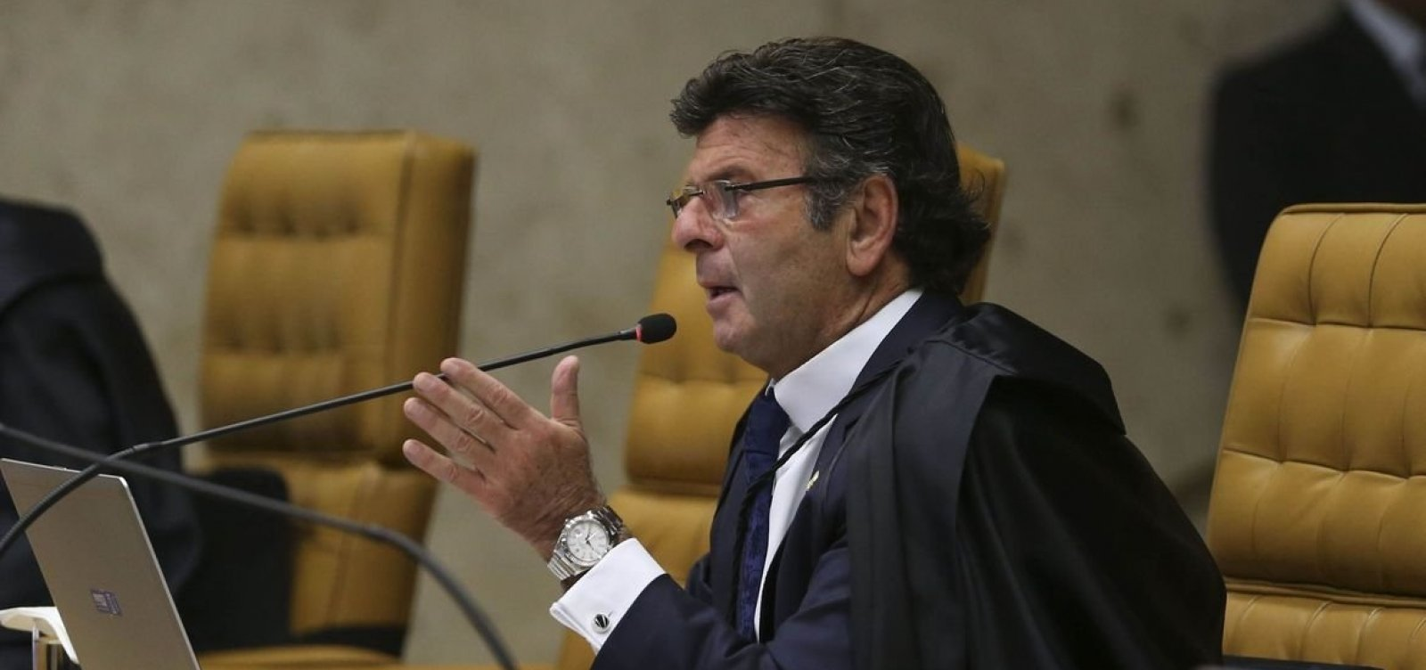 [Após decisão que liberou cultos religiosos, presidente de frente de prefeitos pede intervenção de Fux ]