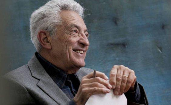 [Morre o crítico literário Alfredo Bosi, vítima da Covid-19]