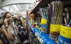 [Material escolar dos alunos brasileiros fica 10% mais caro em 2016]