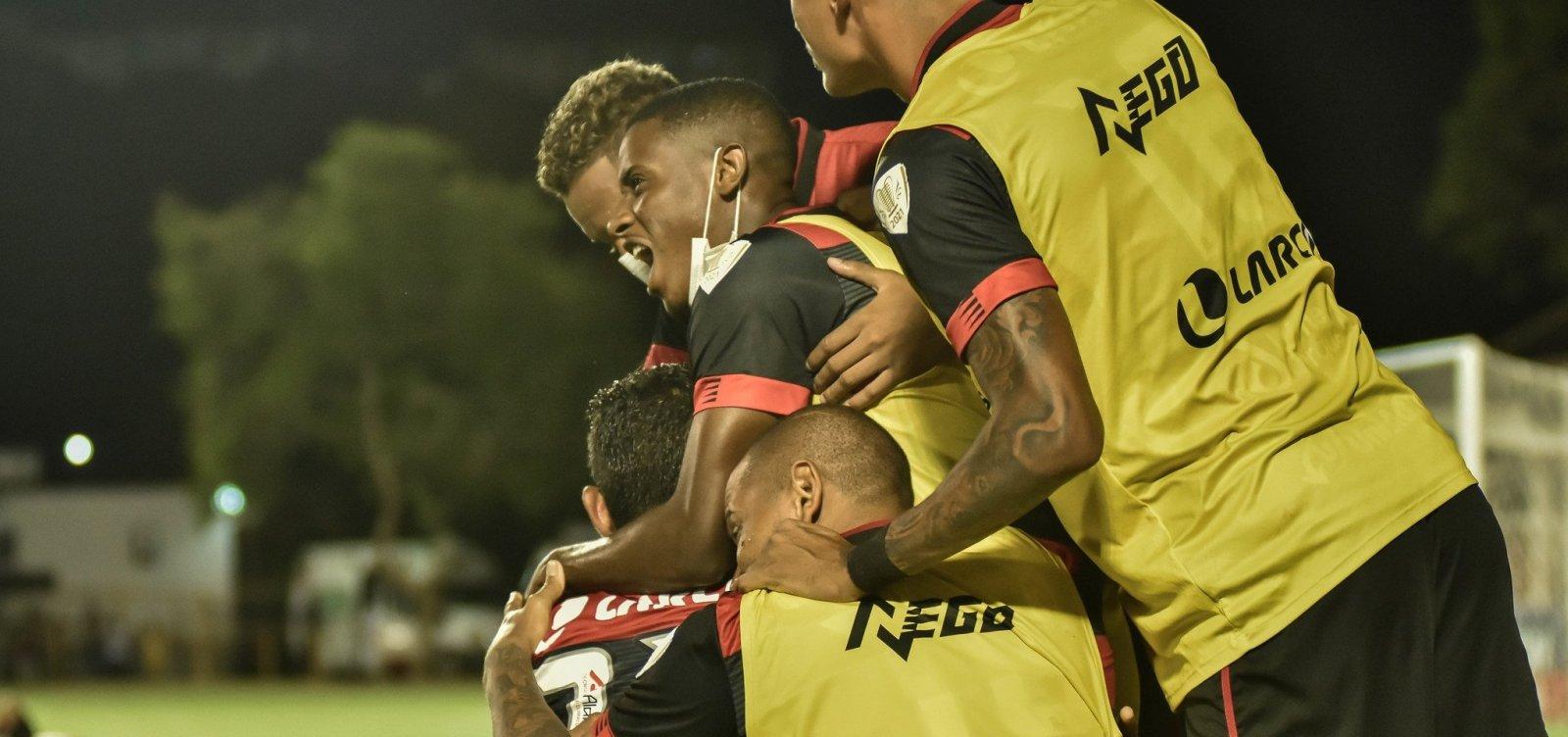 [ Vitória bate o Rio Branco-ES por 2 a 0 e avança na Copa do Brasil]
