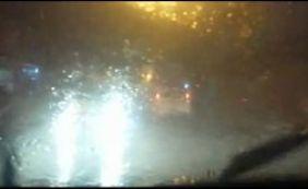 [Chuva volta a castigar Salvador; quedas de energia afetam vários bairros]