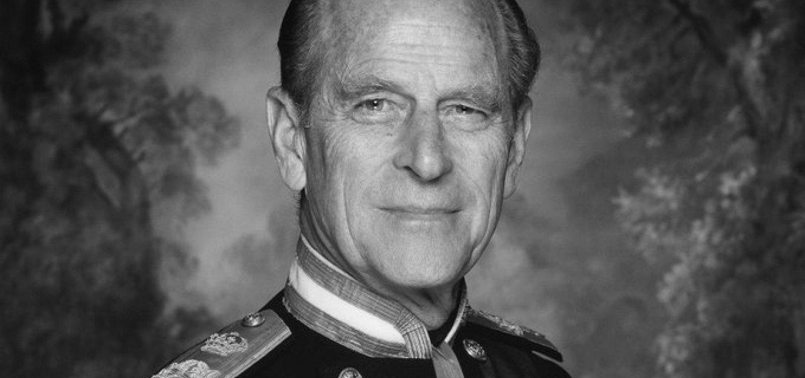[Marido de Elizabeth II, príncipe Philip morre aos 99 anos]