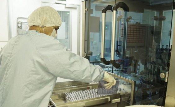 [Fiocruz passa a produzir insumo nacional para vacina contra Covid em agosto]