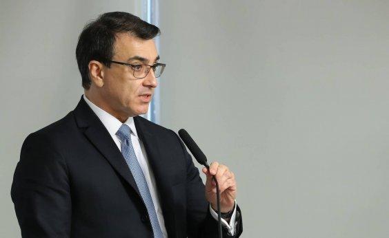 [Em 1ª conversa com ministro chinês, novo chanceler discute cooperação para insumos de vacina]