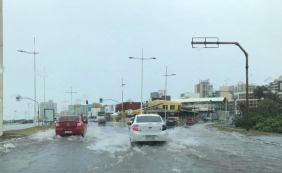 [Chuva em Salvador: Codesal registra mais de 300 solicitações neste sábado]