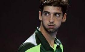 [Depois de perder nas duplas, Bellucci perde na chave de simples em Brisbane]