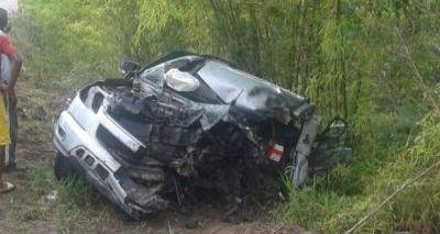 Colisão entre carro e ônibus deixa jovem de 27 anos morta em Trancoso
