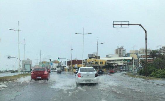 [Codesal registra 24 ocorrências provocadas por chuvas na manhã desta sexta]