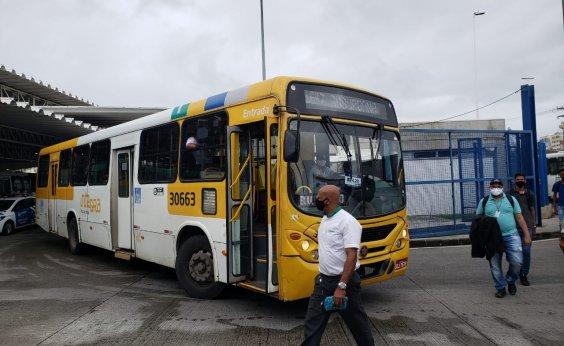 [Ônibus voltam a circular na estação Pirajá, mas protesto segue na Lapa]