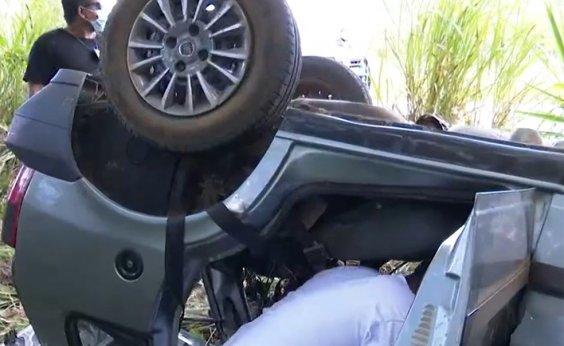[Acidente em rodovia no sul da Bahia deixa cinco vítimas ]
