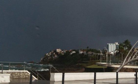 [Previsão para o fim de semana é de céu nublado e chuva fraca em Salvador]
