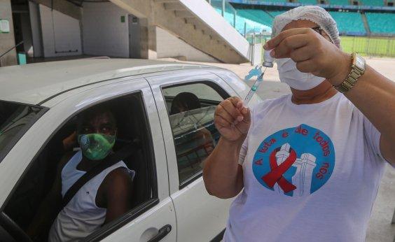 [Salvador vacina 32,95 mil pessoas contra covid-19 neste final de semana]