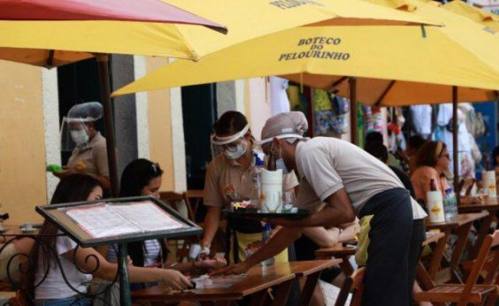 [Ampliação de funcionamento de bares e restaurantes garante empregos e renda, diz Abrasel]