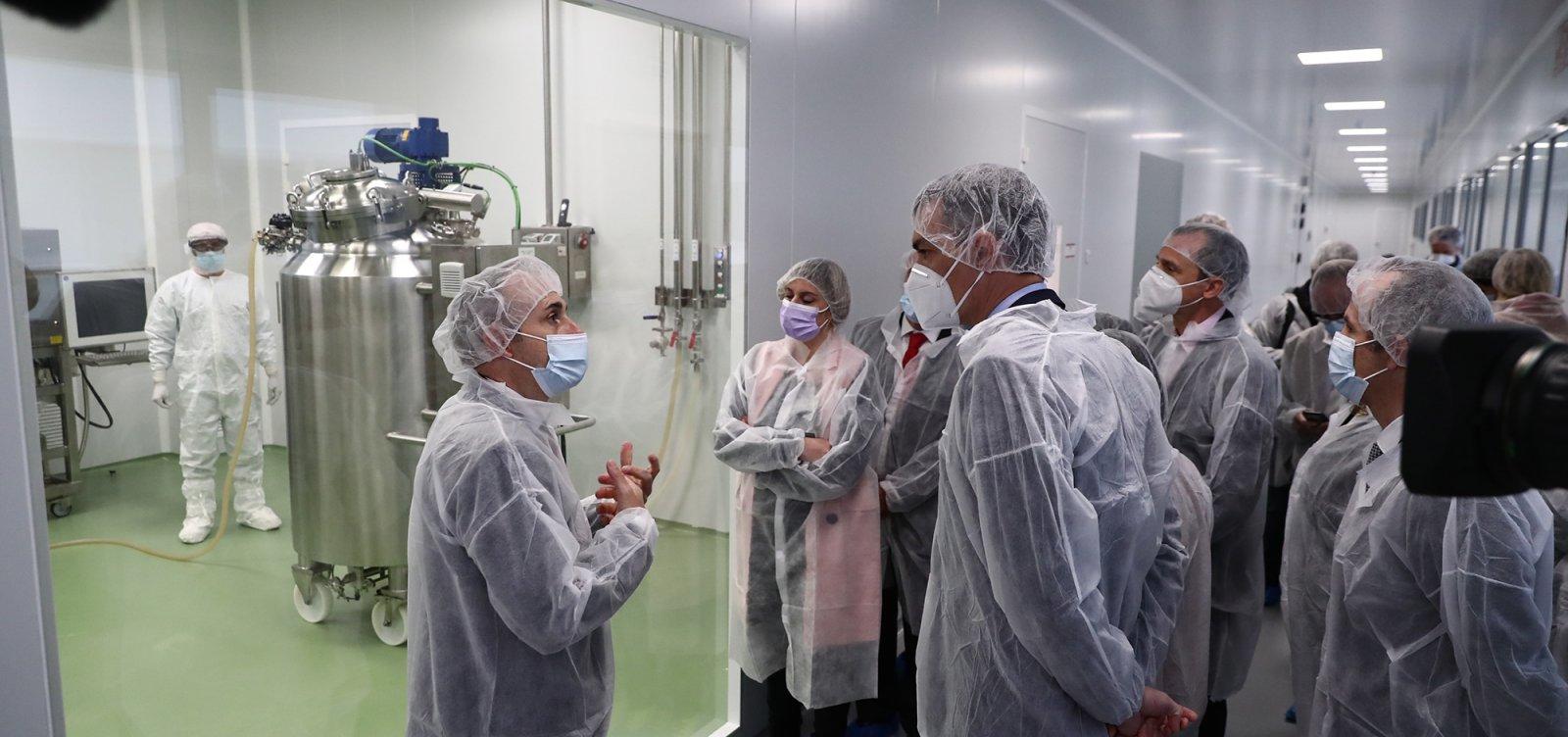 [Cientistas e ganhadores do Nobel alertam contra ataques à ciência no Brasil]