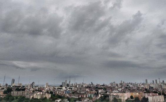 [Terça chuvosa provoca deslizamento de terra em Valéria e na Liberdade]