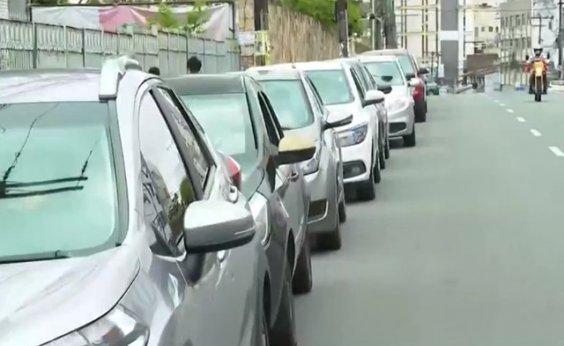 [Salvador registra longas filas nos pontos de vacinação nesta quarta-feira]