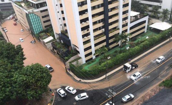 [Salvador tem ruas alagadas no Rio Vermelho e na Pituba]