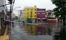 [Moradores ficam até 2 dias sem energia elétrica durante chuvas em Salvador]