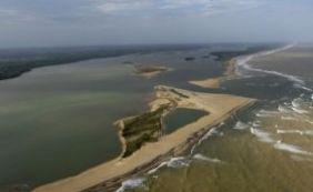 [Diante de ameaça da lama, Ibama sobrevoa mar no sul da Bahia nesta sexta]