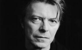 [Morre aos 69 anos o cantor inglês David Bowie]