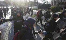 [Quatro pessoas são presas suspeitas de participação em atentado de Istambul]