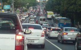 [Trânsito: motoristas enfrentam complicações no Rio Vermelho e Centro ]